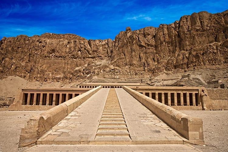 Tempel van Hatsjepsoet, Luxor