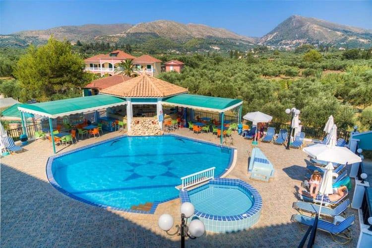 Zakynthos, Agios Sostis, George & Dawn